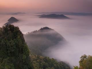 Fototapeten Fluss Pieniny - Carpathians Mountains