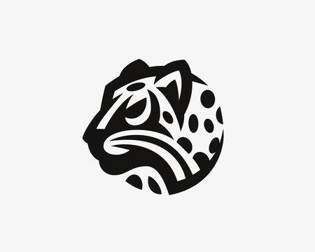 Leopard head logo.Wild cat emblem design editable for your business. Vector illustration.