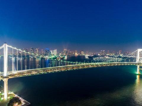 夜のレインボーブリッジ 俯瞰