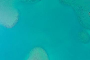 一面に広がる海の航空写真