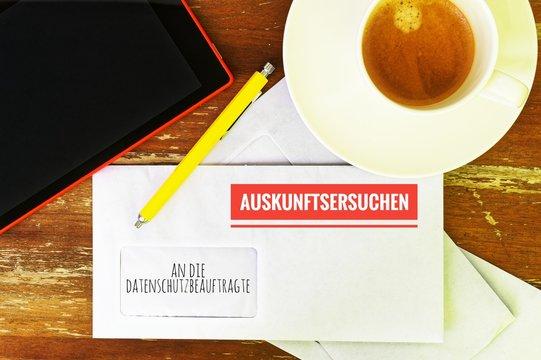 Brief mit in deutsch an den Datenschutzbeauftragten und Auskunftsersuchen in englisch to the data protection officer and requests for information