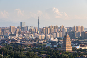 Fotobehang - ancient city of xian at dusk