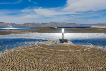 Foto op Canvas Las Vegas Aerial view of the solar tower of the Ivanpah Solar Electric Generating System