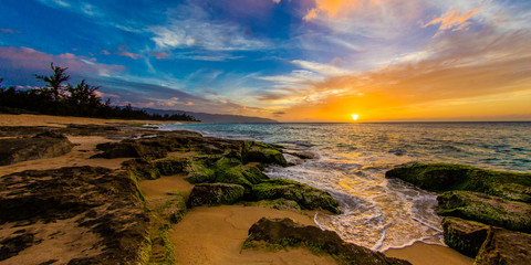 Wall Mural - North Shore Oahu Sunset