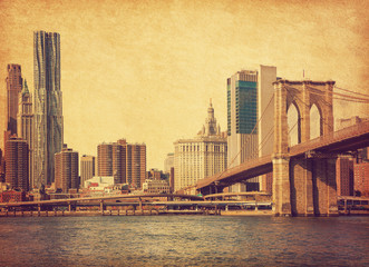 Foto auf AluDibond Brooklyn Bridge Brooklyn Bridge and Lower Manhattan in New York City, United States. Photo in retro style. Added paper texture.