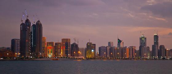 Canvas Prints Abu Dhabi Crucero en el Emirato de Abu Dabhi, Emiratos Árabes Unidos, Golfo Pérsico