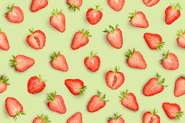 Wall Mural - Strawberry seamless slices as pattern