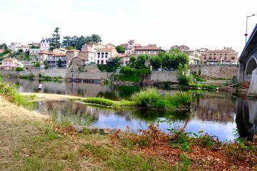 village bord de loire saint rambert