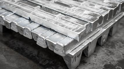 Fototapeta sztabka aluminium- przemysł metali niezależnych