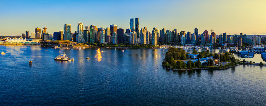 Panoramic view of Vancouver city at sunset