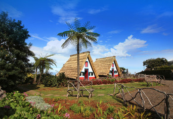 Santana / Madère - Casas de Colmo - Maisons traditionnelles Fototapete