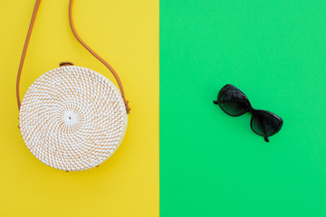 Round straw handbag.