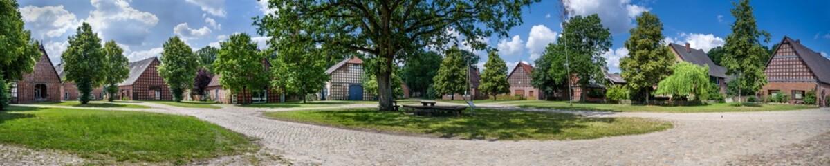 Panorama Rundlingsdorf Püggen im Wendland im Sommer