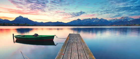 Wall Mural - altes Boot am Bergsee