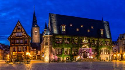 Rathaus Quedlinburg zur blauen Stunde