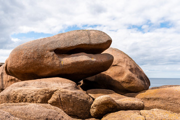Rock formations in Pink Granite Coast