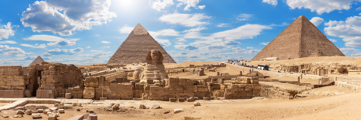 Giza Pyramids and the Sphinx, beautiful Egyptian panorama Fototapete