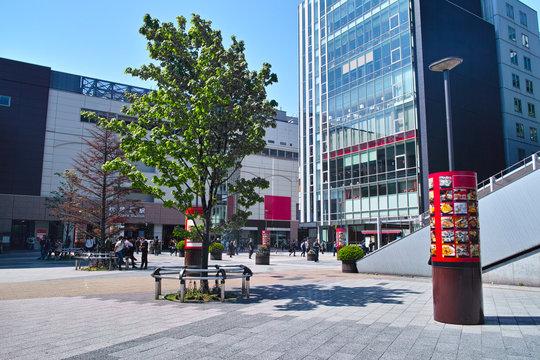 東京都千代田区の秋葉原駅、電気街口の北側の風景
