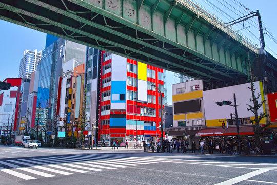 東京都千代田区の秋葉原電気街の風景