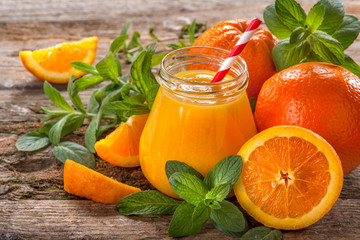 juice of freshly squeezed organic oranges with mint