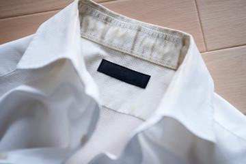 汚れたワイシャツ Fototapete