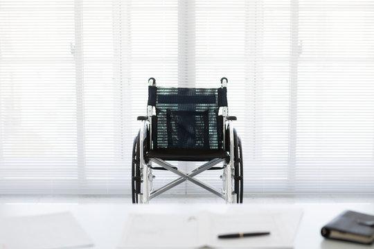 車椅子と履歴書