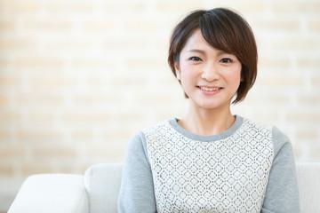 笑顔の日本人女性 Wall mural