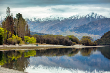 Foto op Plexiglas Blauwe jeans Glorious scenery at Glendhu Bay Lake Wanaka