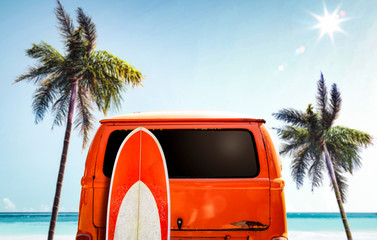 Poster Vintage voitures Orange summer car on beach and free space for your decoration.