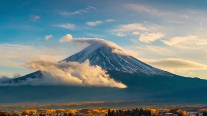 Wall Mural - Time lapse of Fuji mountain in autumn season, Japan.