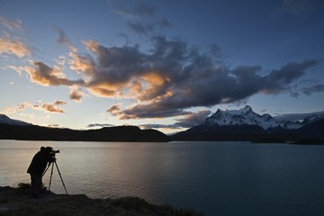 Photographer at the Torres del Paine mountains, Lago Pehoe, National Park Torres del Paine, Patagonia, Chile, South America