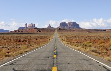 Highway 163, leading to the giant monoliths of Monument Valley Navajo Nation Park, Arizona, USA, North America