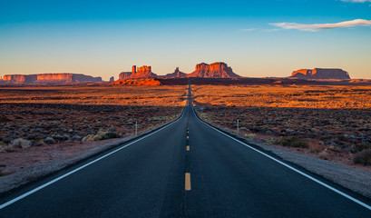Fotobehang Lichtroze Forrest Gump Point highway in Arizona