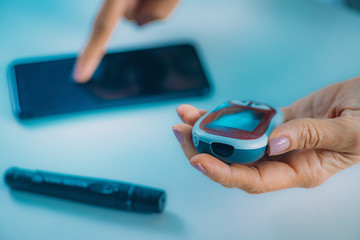 Measuring Glucose Levels, Using Smart Phone App to Follow Results