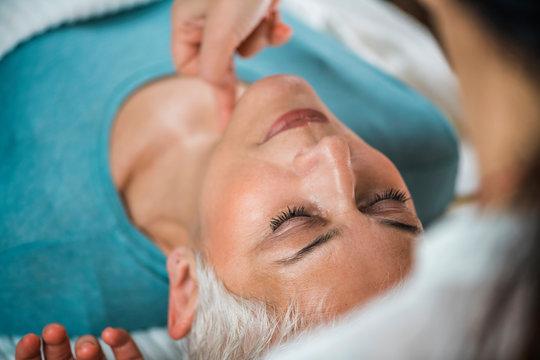 Facial Marma Therapy, Ayurveda Neck Massage (Kanth Marma)