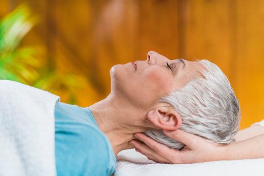 Marma Therapy. Ayurveda Head Massage, Krikatika marma point