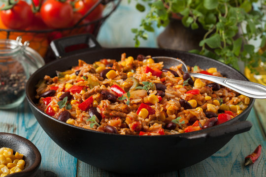 Mexican rice with minced meat and vegetables.