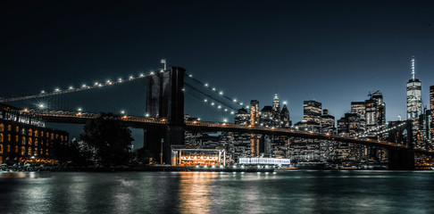 Spoed Fotobehang Brooklyn Bridge Brooklyn Bridge and one world trade center