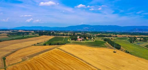 Luftbild: Naturlandschaft Toskana, Itlien,