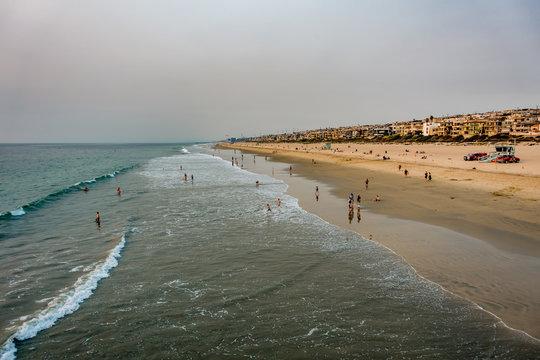 huntington beach scenes and surroundings in november