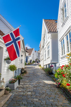 Gasse in der Altstadt von Stavanger (Norwegen)