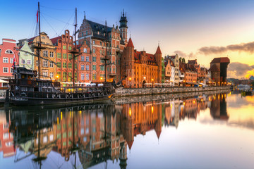 Gdansk with beautiful old town over Motlawa river at sunrise, Poland. Fototapete