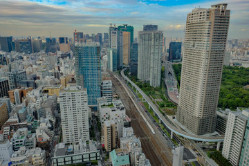 東京 ビル 街並み 新幹線 写真素材 カメラ