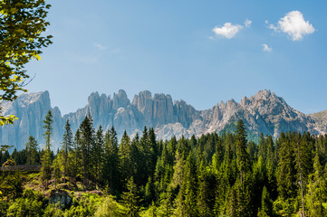 Dolomiten, Latemargruppe, Latemar, Gebirge, Alpinismus, Wanderweg, Eggental, Südtirol, Sommer, Italien