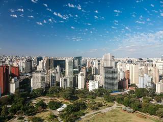 Vista aérea do Itaim Bibi e Parque do Povo em São Paulo, Brasil