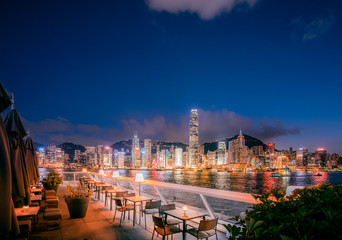 Restaurant with stunning skyline view  of Victoria Harbor Fototapete