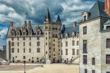 Fototapete - Castle of the Dukes of Brittany in Nantes city, France