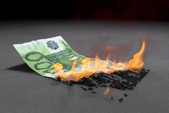 Euro Banknote brennt