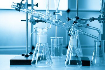Glass instruments in the laboratory of chemical synthesis
