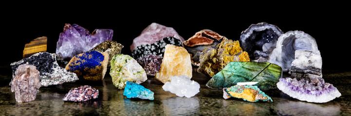 Fototapeta Panorama, verschiedene Mineralien als Rohsteine, Heilsteine und Mineralogie
